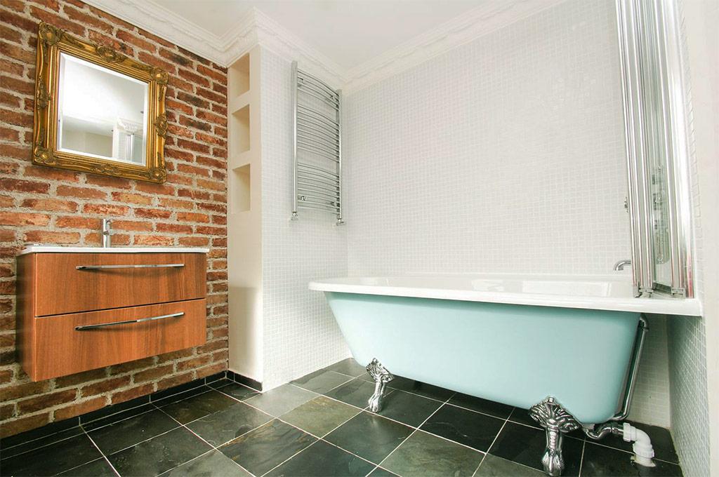 real-clay-brick-tiles-bathroom